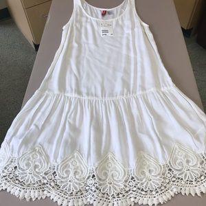 Cutest little summer dress with Beautiful details